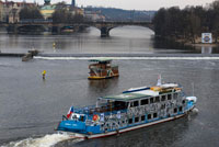 Cruise on the River Vltava. A stroll along the Vltava River is an activity that should not be missing on a trip to Prague. You will find boat trips at all hours and for all budgets. There are many types of boat trips on Prague: from short walks to see the city from the river to day and evening cruises with lunch and dinner. If you want to have a perfect evening you can choose to ride with dinner and live music, see Prague illuminated from the Vltava and enjoy a nice dinner is always a hit. Where hire rides? The best way to save time and power lines to ride when you want is to book online. We have reached an agreement with the most important agency in Prague in order to offer their tours with a small discount: