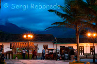 "Salento's central square at dusk. Quindío. Ecotourism attractions SALENTO COCORA VALLEY Located north of Salento between 1,800 and 2,400 meters., Its name means Star Water is the natural habitat of the wax palm, where the environment is MORROGACHO HILL: Centre of different ecological habitats, as well as in surrounding cemeteries have been discovered some Indians made up graves cancel, which is also found in the Acaime Nature Reserve, on the road leading to the biological station Star Water, which offers the course called ""Path of the Tombs. "" QUINDÍO RIVER AND RAILWAY BRIDGE EXPLANEACIÓN Quindío The river rises in the wilderness of Romerales, at an altitude of 4,000 meters, covers a stretch of 71.3 km Crossing the department in the northeast and the bridge is located in the village Boquía under structure are Boquía the river, which drains to river Quindío, built in 1948, was part of a large project, which sought to communicate via Buenaventura with Bogota and Armenia to Ibague. LAKE CHARM At an altitude of 3,880 meters, between the Paramillo Quindio and Nevado del Tolima, is an ideal place to camp and rest before embarking on the journey to the nearby snow capped mountains. PALM WAX QUINDÍO National Tree of Colombia, Law 61 of 1,985 lives in the high Andean forest or cloud forest, is the highest in the world and it grows at higher altitudes. BIRDING Salento offers an interesting route that allows the observation of birds. Contact: Phone (6) 7592252 Cel 311 3122566 - 311 7699190. FESTIVALS AND EVENTS PARTY OF SALENTO ANIVERSARIAS - 1 to 8 January: its main events are: Coroteo peasant rajaleñas contest, mule contest, parade of classic bicycles, riding, popular festivals, kingdoms, others. NATIONAL TREE DAY - 16 September: Quindio wax palm. Reforestation with Wax Palms, protocalerio event in the Plaza de Bolivar, complete with recreation sports and culture. EASTER: proceiones and religious acts, tinged with an appropriate cutural programming. LIVESTOCK SHOW: Held in October, with exhibits of cattle, striking competitions and sale. CRAFT SHOW: year-round in the Salento ROYAL STREET. OTHER ACTIVITIES: every Friday throughout the program deporteando Bolivar Park and Wednesday is celebrated cinema park. CRAFTS: there are in the main square and along the Calle Real, a large and varied range of colorful and attractive handicraft stores and workshops, highlighting work in wood, bamboo, natural fibers, textiles, jewelry, candles and painting among others. HORSEBACK RIDING: aniversarias and festivities during the weekends throughout the year. Salento is one of the most important deals Quindío for nice rides in its nature trails and beautiful scenery. There are several companies specializing in the area that offer affordable, rental of horses with expert guides."