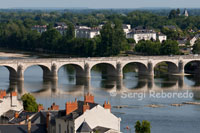 Views of the River Loire from Saumur. Winding up the steep streets of the domains we reach the castle, where you get one of the best views of this area of ??the Loire Valley.